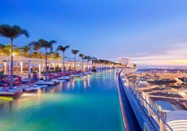 Top 5 khách sạn có bể bơi trên nóc đẹp mê mẫn