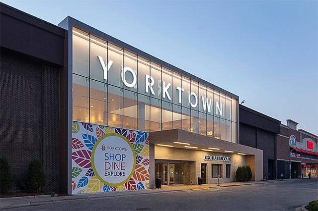 Trung tâm mua sắm Yorktown Center nhìn từ bên ngoài