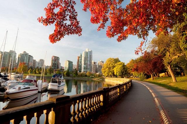 Công viên Stanley là khu bảo tồn xanh tươi tuyệt đẹp của thành phố xứ sở lá phong Vancouver