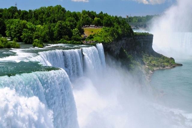 Niagara là một trong những kỳ quan có cảnh quan thiên nhiên tựa như chốn bồng lai nơi hạ giới