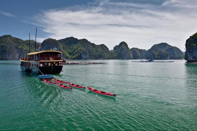 Vịnh Lan Hạ - thiên đường biển tuyệt vời để bạn ghé trong những dịp đầu năm