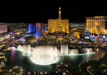 Ở Las Vegas có những điểm tham quan nổi tiếng nào?