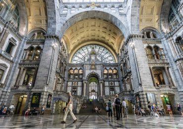 Centraal Station – trạm ga lịch sử nổi tiếng của Amsterdam