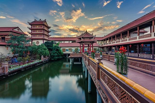 Những ngôi chùa ở Đà Nẵng vừa đẹp vừa thiêng nên đến thăm vào dịp tết
