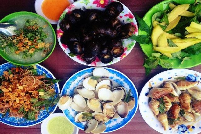 Càn quét hết những điểm ăn vặt nổi tiếng ở Quy Nhơn ngày Tết