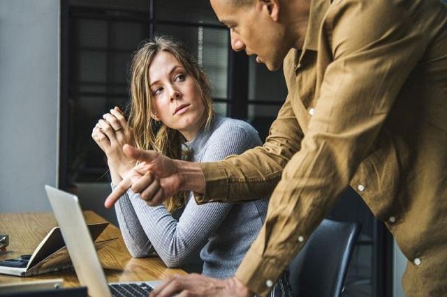 Tùy vào nhu cầu và ngân sách của bản thân mà bạn có thể cân nhắc chọn loại laptop phù hợp